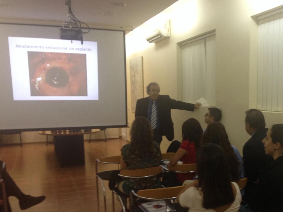 El equipo de Eurocanarias Oftalmológica celebra su sesión clínica mensual